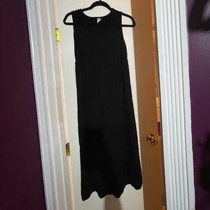 Old navy maternity maxi dress black size small